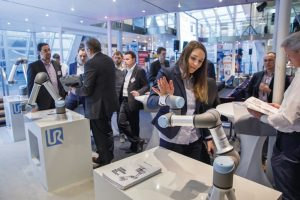 DEU,_Deutschland,_Hannover,_06.02.2019:_Robotics_Academy_auf_dem_Messegelände_Hannover._Am_Stand_von_Universial_Robots