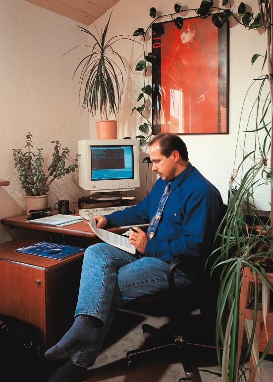 alternierende telearbeit spezialisten arbeiten zeitweise. Black Bedroom Furniture Sets. Home Design Ideas