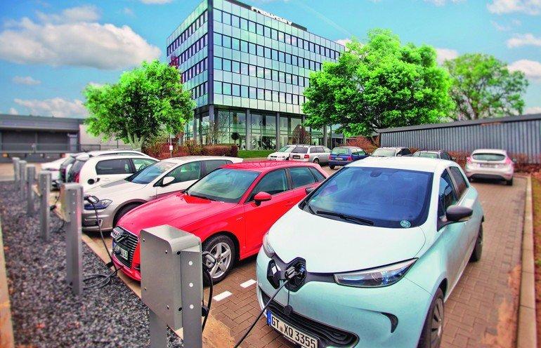 Elektromobilität: Ladesäulen für Elektroautos im Unternehmen