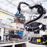 Bosch_roboterunterstuetzte_Batterieproduktion.jpg
