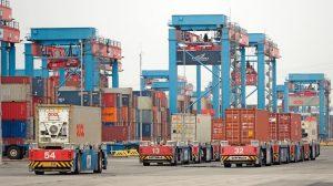 Besichtigung_des_HHLA_Container_Terminals_Altenwerder_(CTA)_anlässlich_der_CeMAT-Pressekonferenz_am_25._Juni_2013_in_Hamburg.
