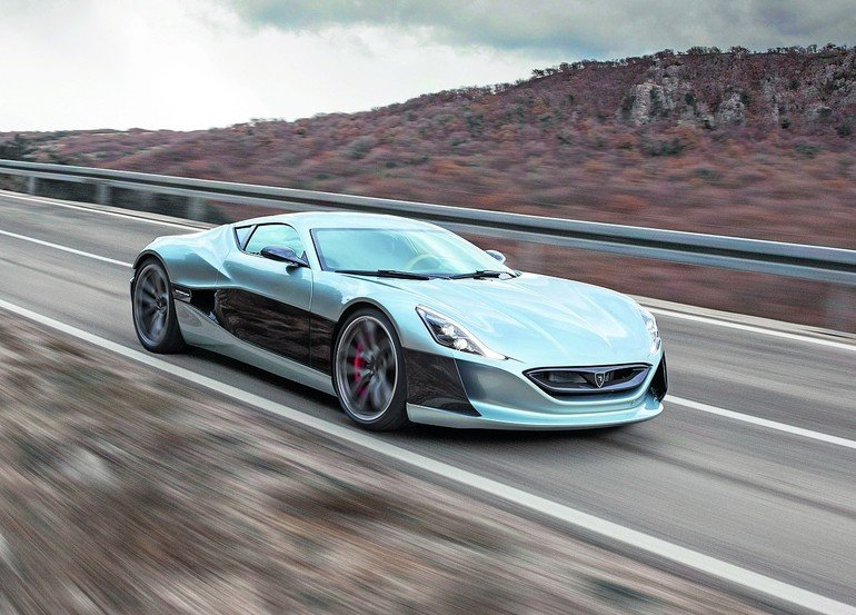 Concept_one_env_07_dynamic_copyright_Rimac.jpg