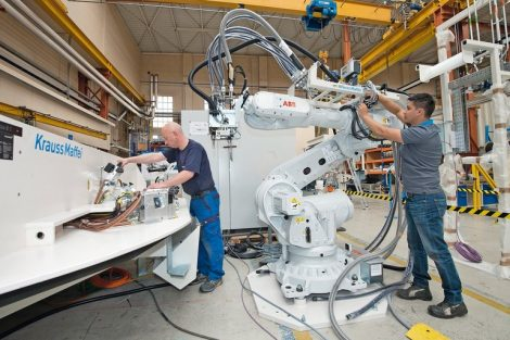 KraussMaffei_Technologies,_Produktion_München