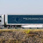 Daimler_Trucks_und_Torc_Robotics_feiern_ein_Jahr_erfolgreiche_Partnerschaft._Im_September_2019_hat_die_Entwicklung_und_Erprobung_hochautomatisierter_Lkw_(SAE_Level_4)_auf_definierten_Strecken_im_öffentlichen_Verkehr_begonnen.___Daimler_Trucks_and_Torc_Rob