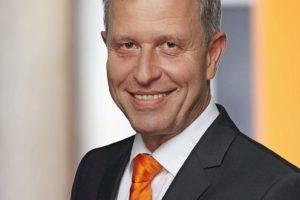 Eberhardt_KUKA_AG_Wilfried_Eberhardt_comp.jpg