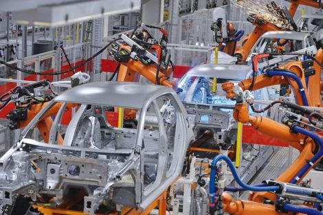 robots_welding_in_an_automobile_factory_