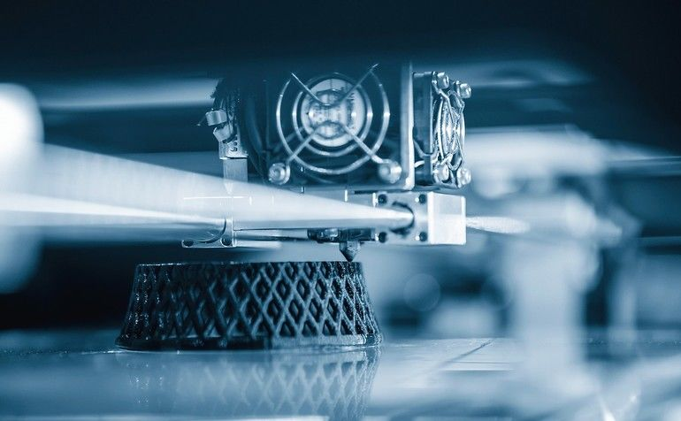 The_3D_printing_machine_operation._The_3D_rapid_prototype_processing_concept.