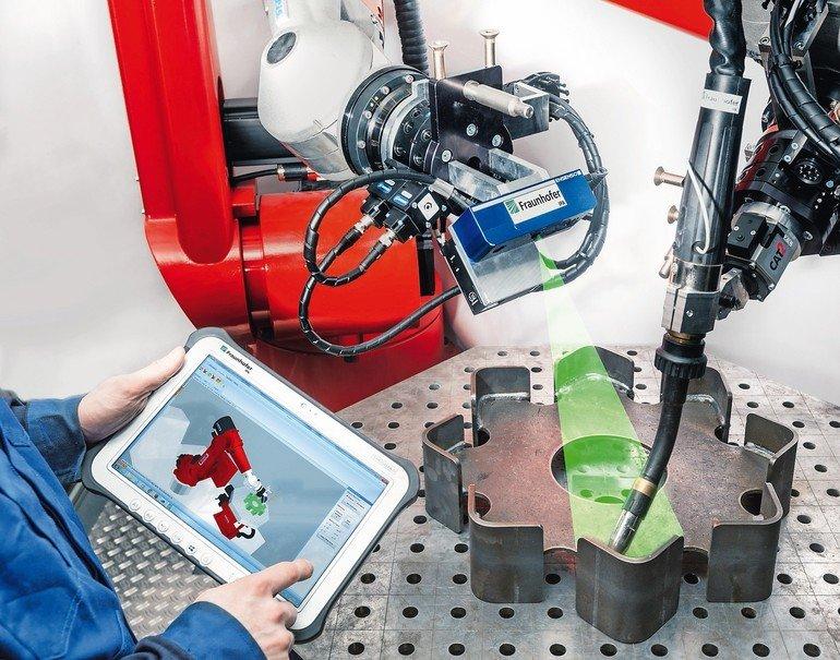 Fraunhofer_IPA_Welding-cell.jpg