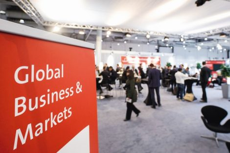 Global_Business_&_Markets,_Investment_Lounge,_Halle_3