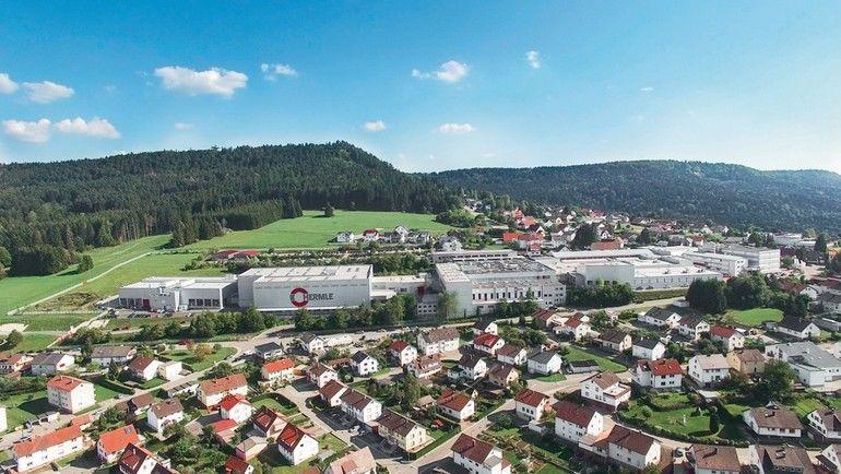 Stammsitz_der_Maschinenfabrik_Berthold_Hermle_AG_in_Gosheim