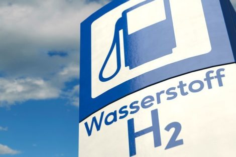 Wasserstoff,_H2,_Tankstelle,_Schild,_tanken,_Technologie,_Zukunft,_Wort,_Symbol,_Zeichen,_Auto,_Treibstoff,_Brennstoff,_Mobilität,_Investitionen,_Herstellung,_Forschung,_subventioniert,_Wasserstofftankstelle,_Nachhaltigkeit,_Autos,_Umwelt,_alternative,_Um