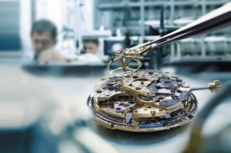 manufacture_calibre_watch_making_movement_engineering_balance_spring_assembly_assembling_the_movement_haute_horlogerie_manufacture_calibre_watch_making_movement_engineering_balance_spring_assembly_assembling_the_movement_haute_horlogerie