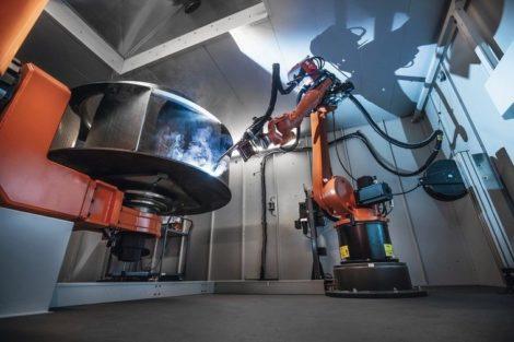 Roboter schweißen große Ventilatoren