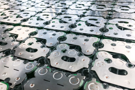 Manz-Grob-Lithium_Ionen_Batteriesysteme