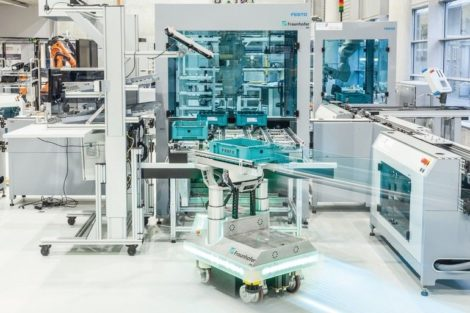 Mobiler_Roboter_Fraunhofer_IPA.jpg