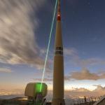 Der_grüne_Laserstrahl_des_Trumpf-Lasers_ist_im_Einsatz_gut_sichtbar
