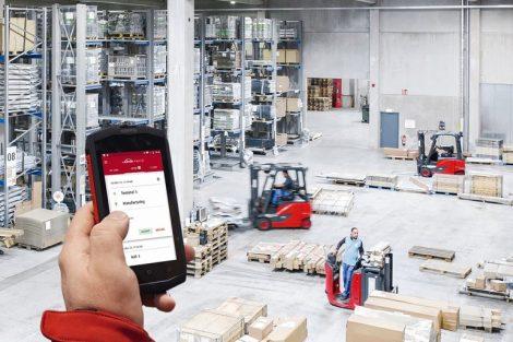 Linde_Material_Handling_GmbH,_Fotoproduktioin_bei_der_Firma_Gust._Alberts_GmbH_&_Co_KG_in_Herscheid,_NRW,_Deutschland
