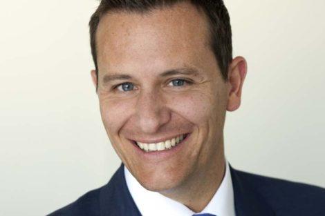 Porträtfoto von Thomas Spreitzer, verantwortlich für den Vertrieb KMU und Marketing Geschäftskunden bei Telekom Deutschland